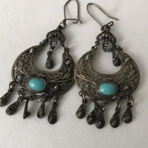 Jewelry - Stunning 925 silver and turquoise earrings